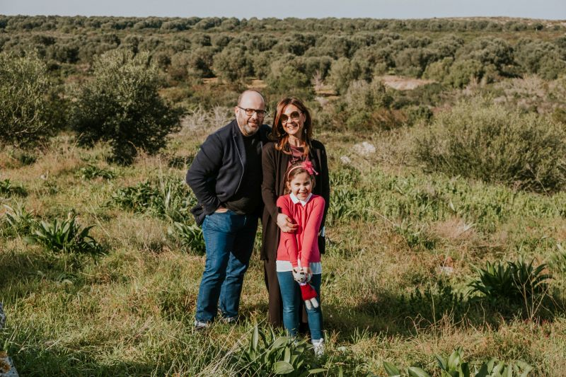 Camilla Rossi-Chauvenet vom Weingut Cuturi mit Familie