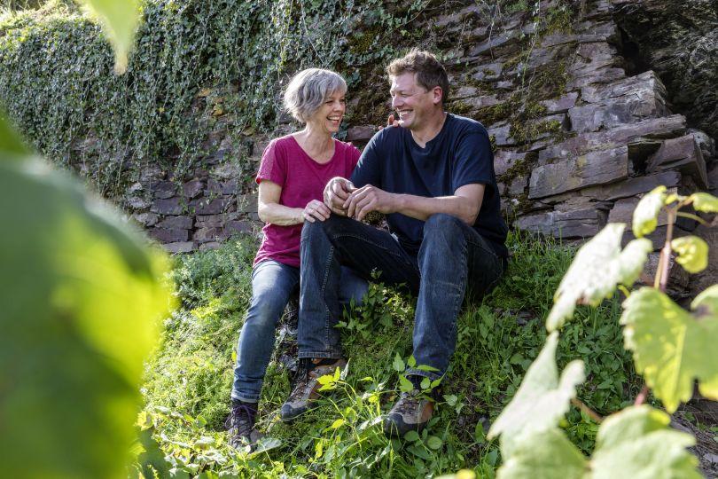 Thosten Melsheimer und seine Frau Stefanie im Weinberg